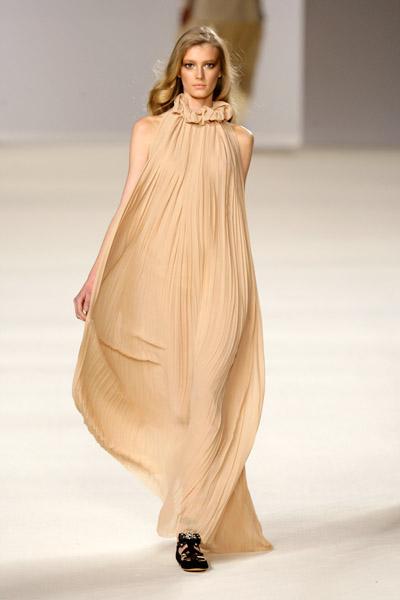 chloe catwalk fashion show fw09