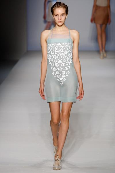 See through clothes fashion show