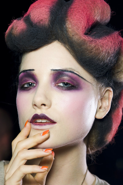 Make Up Trends Ss2010 Bright Eyes Team Peter Stigter