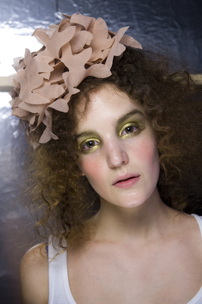 Make-up trends ss2010: bright eyes