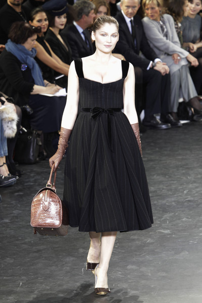louis vuitton catwalk fashion show paris fw2010 team