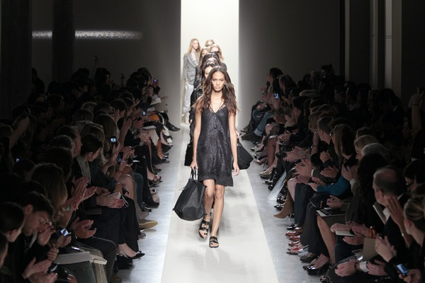 catwalk fashion show L...