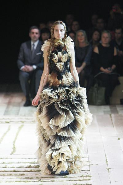 Alexander McQueen Catwalk Fashion Show Paris SS2011 | Team ...