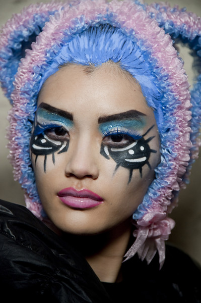 Beauty Trends Fw2010 Extreme Make Up Team Peter Stigter