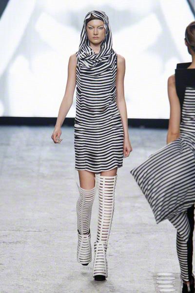 Gareth Pugh Catwalk Fashion Show Paris ss2012