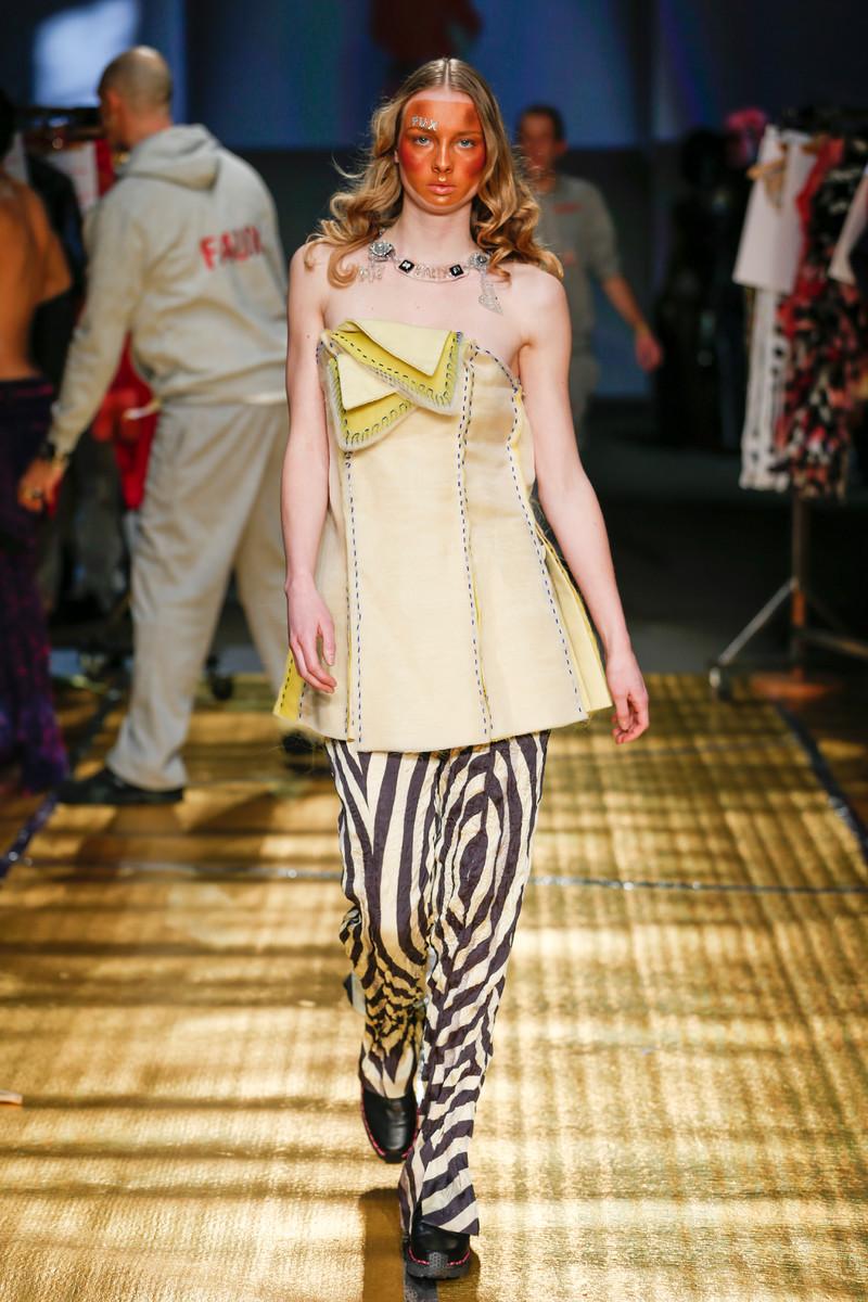 Zeeman amsterdam fashion week reacties Zeeman haalt stunt uit op Fashion Week NOS