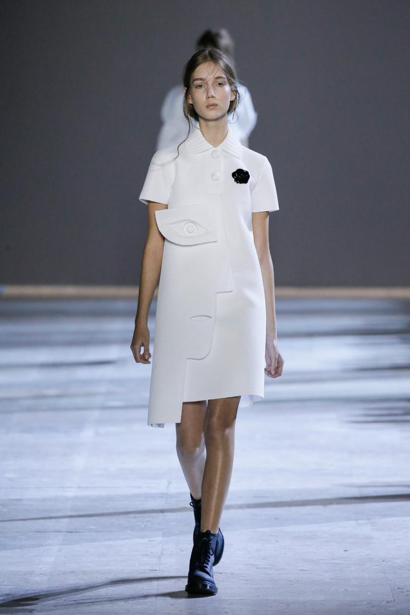 Viktor & Rolf Haute Couture Catwalk Fashion Show Paris SS2016