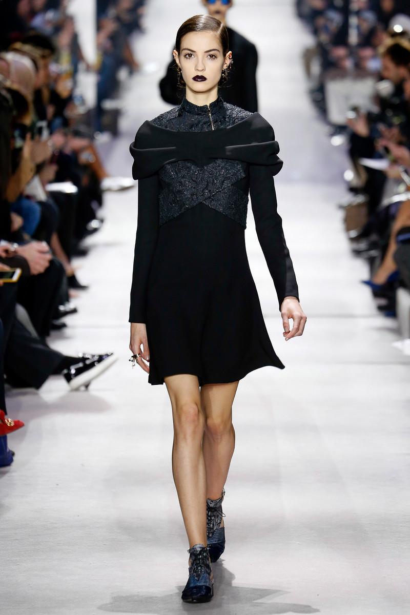 Christian Dior Catwalk Fashion Show Paris Womenswear ...