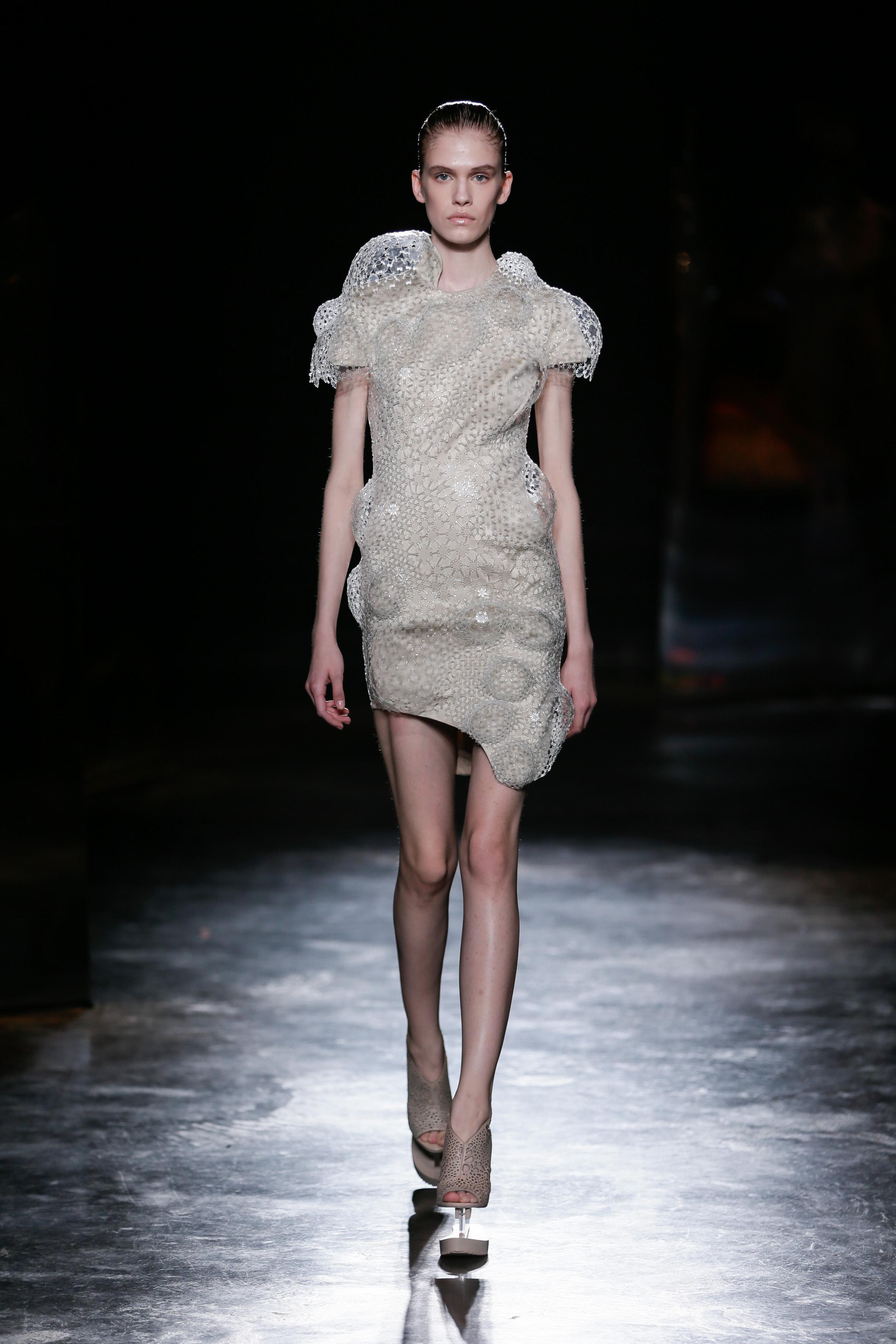 Iris van Herpen Catwalk Fashion Show Womenswear FW2016
