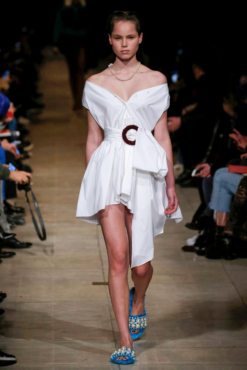 Miu Miu Catwalk Fashion Show Paris Womenswear FW2016