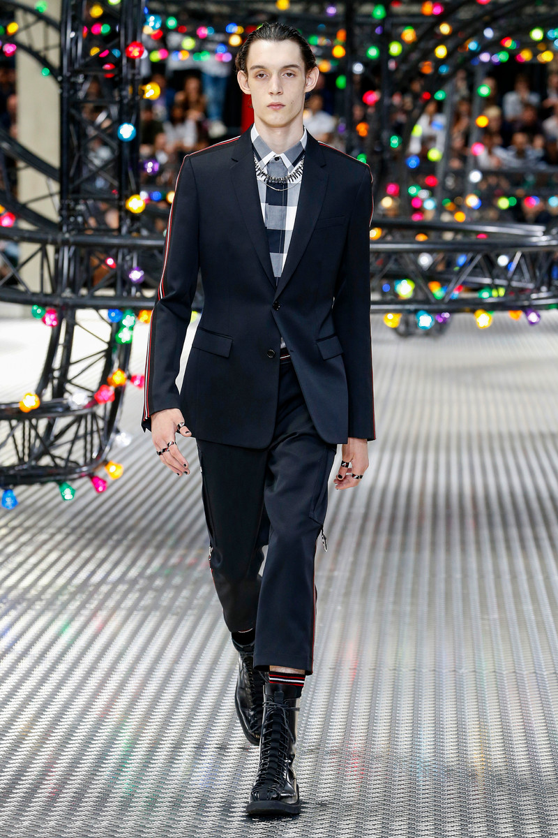Dior Homme Catwalk Fashion Show Paris Menswear SS2017