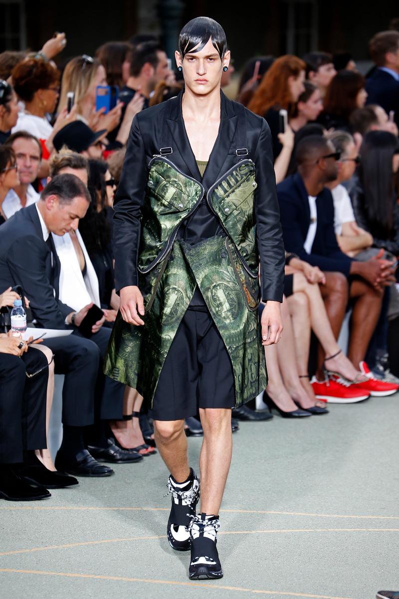 Givenchy Catwalk Fashion Show Paris Menswear SS2017