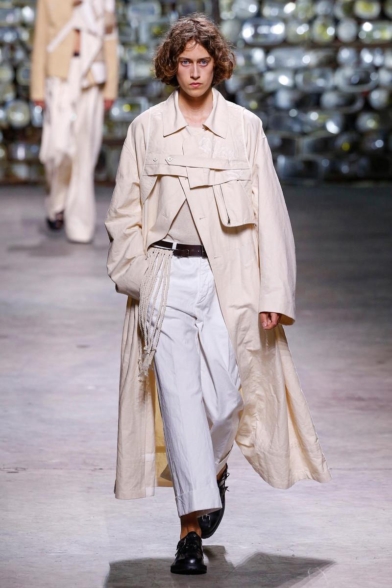 Dries van Noten Catwalk Fashion Show Menswear Paris SS2017
