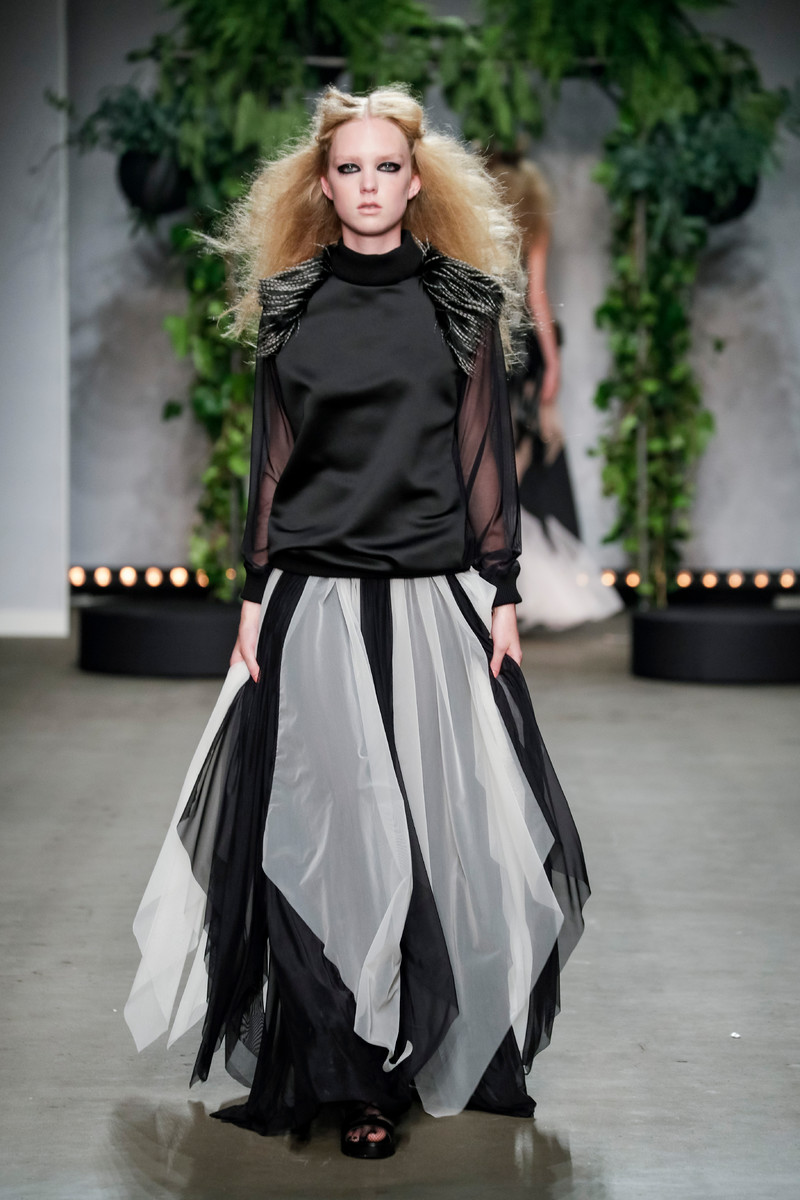 Sunanda Chandry Koning LES SOEURS ROUGES Fashion LAB Amsterdam SS2017