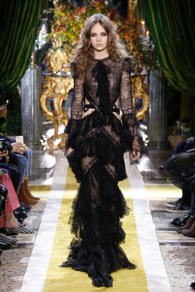 WOMENSWEAR TREND FW2016: Black Lace Extravaganza