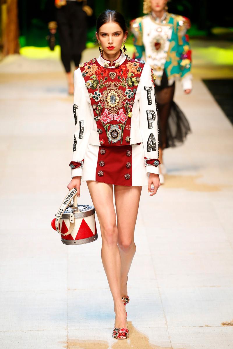 Dolce & Gabbana Fashion Show Womenswear Milan SS2017