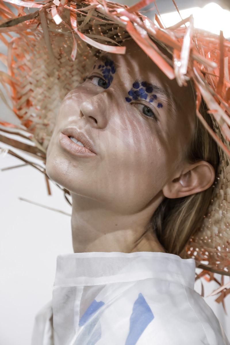 Liselore Frowijn Backstage Catwalk Show Paris SS2017