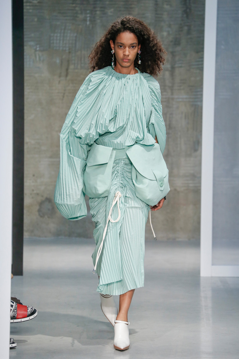SS2017 Trend: Pleated, Folded & Draped