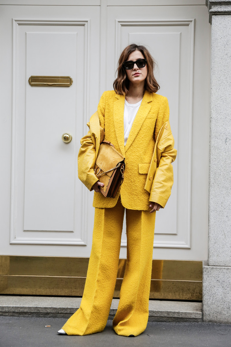 Summer Streetwear Trend 2017: Bold colors, statement suits