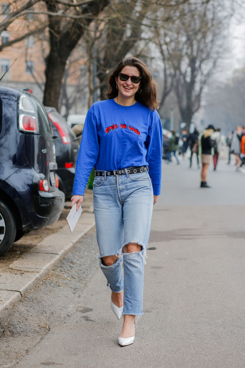 16eb341fe21ab Fall/Winter Streetstyle Trend 2017/2018: Destroyed Denim for Colder Days    Team Peter Stigter, catwalk show, streetwear and fashion photography