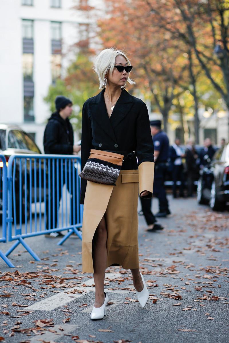 Fall/Winter Catwalk Trend 2017/2018: Black & Camel