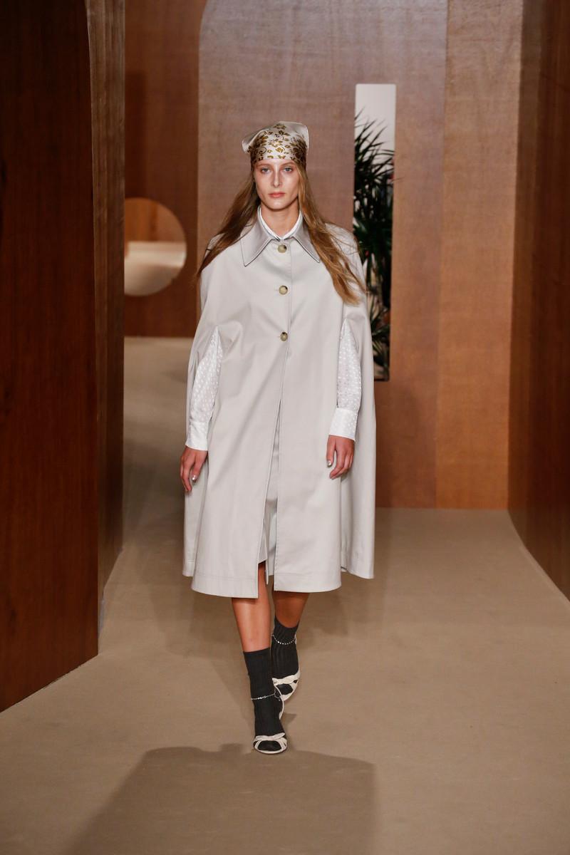 Alexa Chung Catwalk Fashion Show London Womenswear SS2019