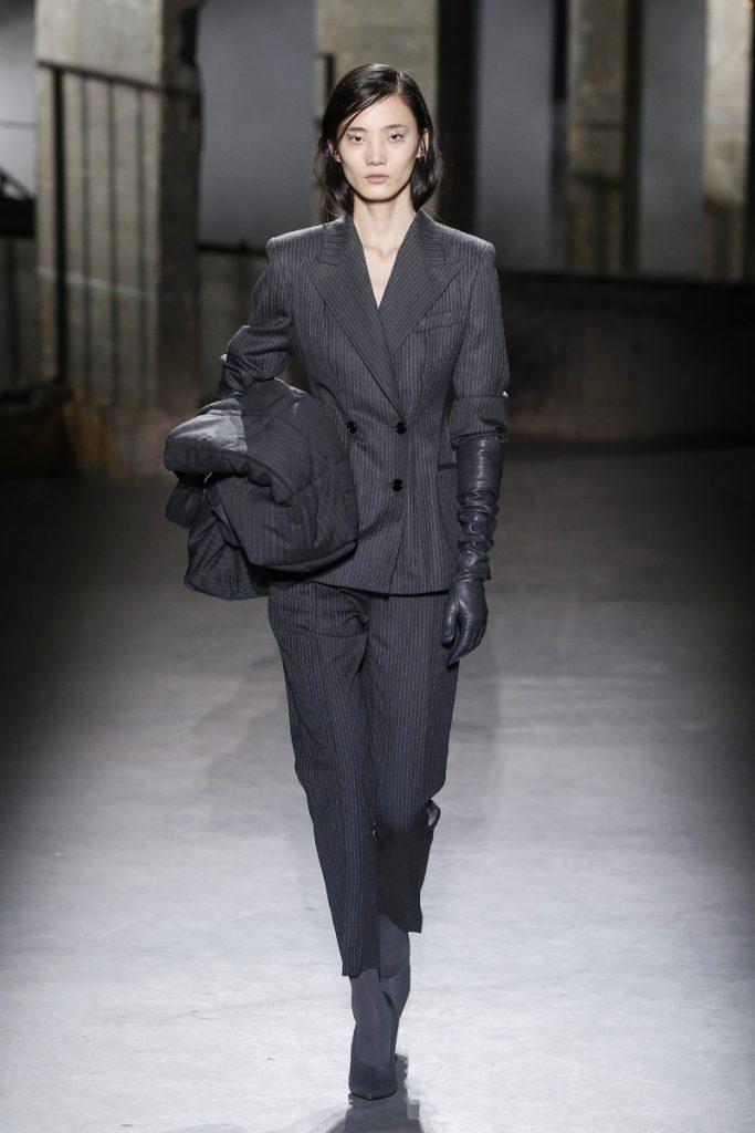 f2252347cb3905 Dries van Noten Catwalk Fashion Show Paris FW2019
