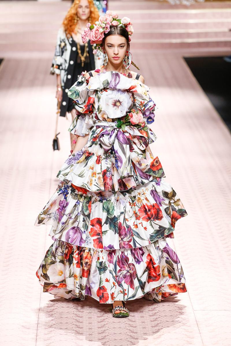 Catwalk & Streetwear Trend Spring/Summer 2019: Printed Maxi Dresses