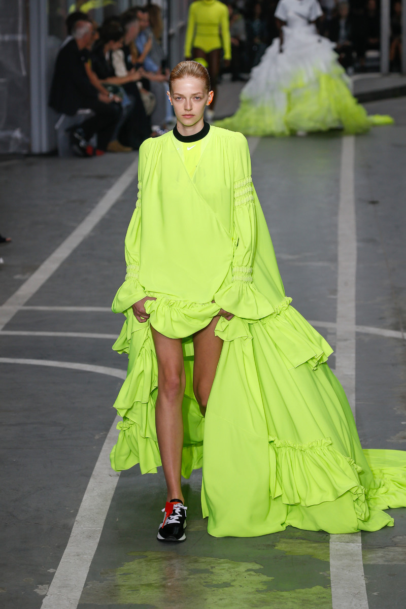 Catwalk & Streetwear Trend Spring/Summer 2019: Neon
