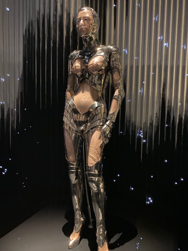 Thierry Mugler –  Couturissime at the Kunsthal in Rotterdam